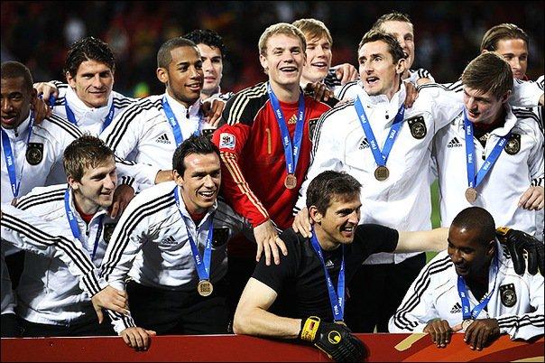 Немецкая машина футбол