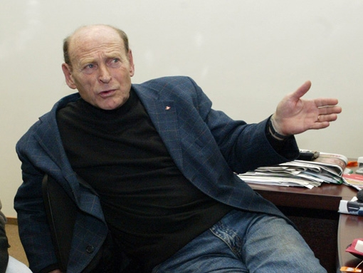 Рейнгольд: Ниасс должен молиться богу, что сбежал из «Локомотива»