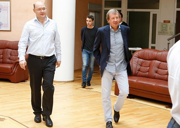 Куда едет «Локомотив»: в Европу или ФНЛ?